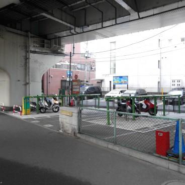 ... 高架下自転車・バイク駐車場